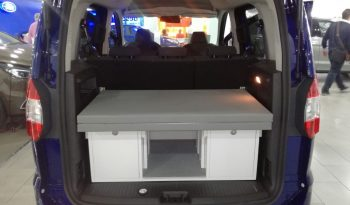 FORD TOURNEO COURIER 2017 completo