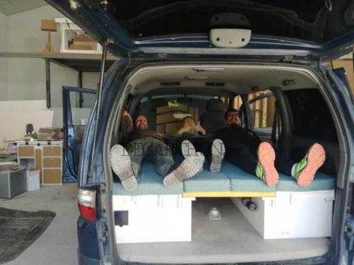 decarthon-camperizacion-furgonetas-hyundai-h1 (13)